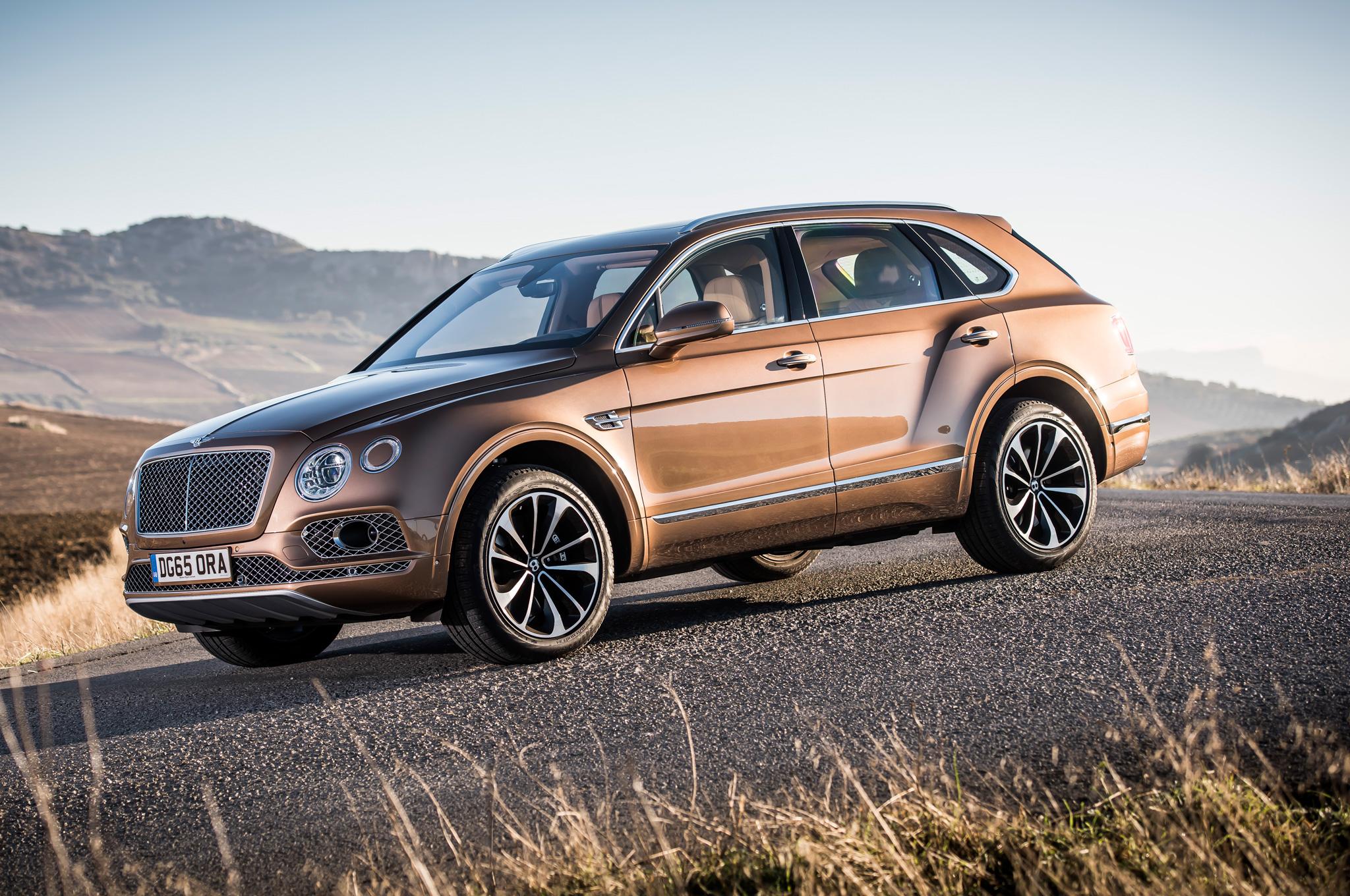 Bentley Bentayga 2017 Overview